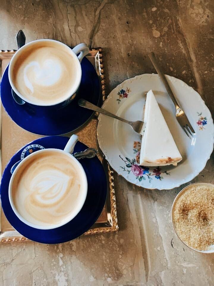 Czech cheesecake and coffee